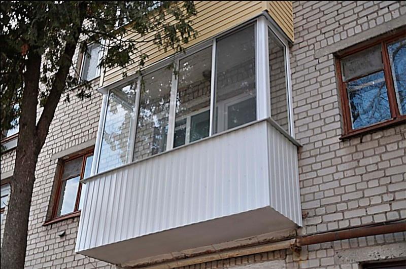 Обшивка балконов и лоджий металлопрофилем в москве и мо под .