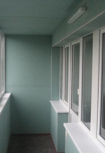 Отделка балконов и лоджий гипсокартоном в москве и мо под кл.